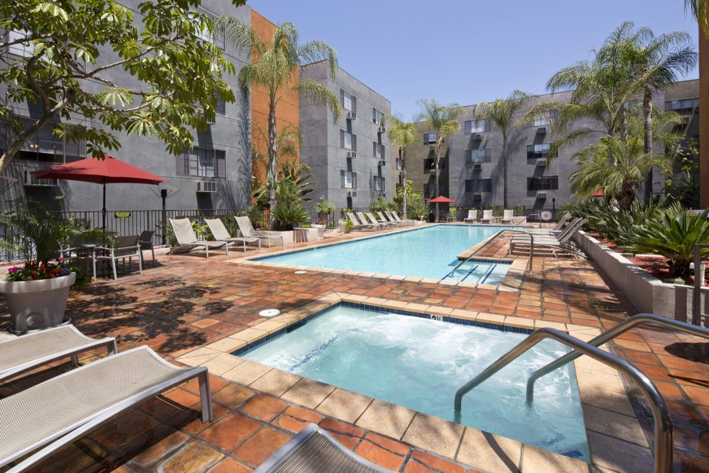 And Its Close Proximity To Several Major Movie Studios Downtown Los Angeles Makes Vida Hollywood The Ideal Home For Active On Go Angelinos